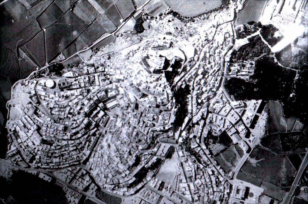 La imagen tiene un atributo ALT vacío; su nombre de archivo es img311.jpg
